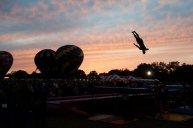 pokazy firmowe na trampolinach